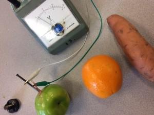 volt-meter-with-apple