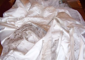 dirty-dress-02