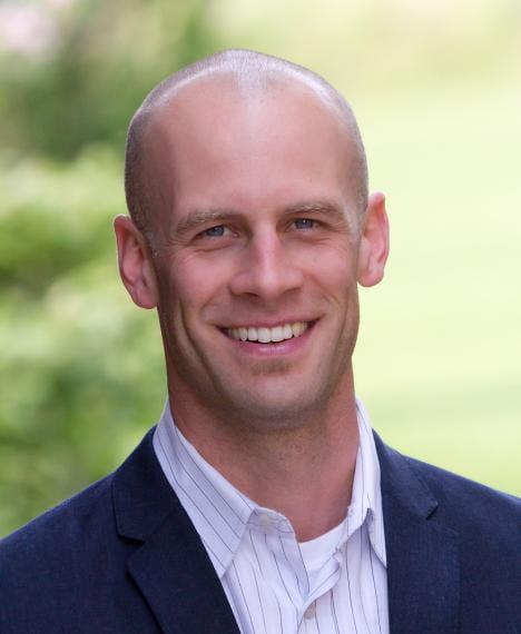 Headshot of Jamie Burr