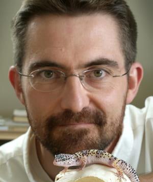 Headshot of Matthew Vickaryous