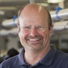 Headshot of David Kelton