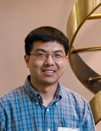 Headshot of Ray Lu