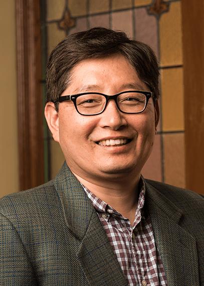 Headshot of Sunghwan Yi