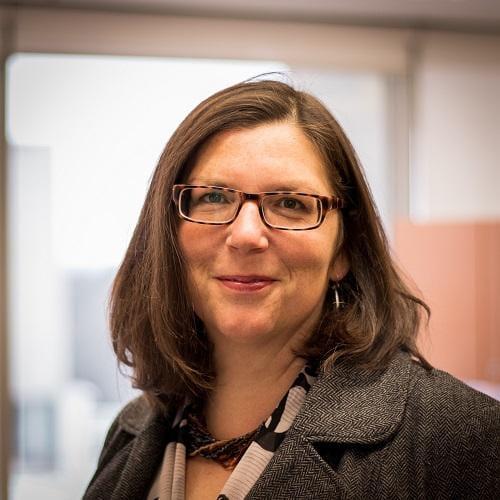 Headshot of Elizabeth Finnis