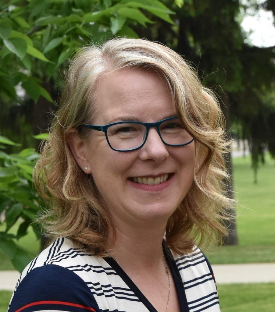 Headshot of Laura Van Eerd